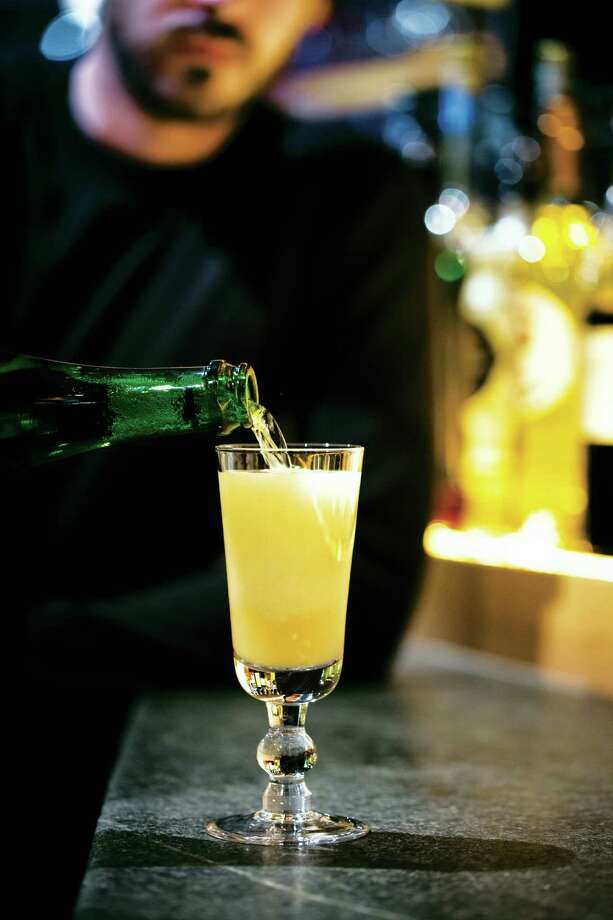 Sparkling Ginger Margarita from Rick Bayless' margarita cookbook. Photo: Paul Elledge
