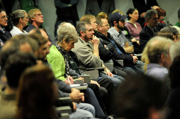 Spectators listen during the Newtown Action Alliance-organized hearing on gun violence at Newtown High School on Tuesday, Feb. 19, 2013. Photo: Jason Rearick / The Advocate