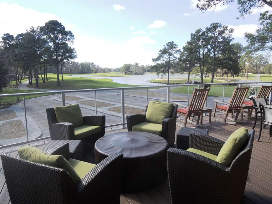 The five courses at the Clubs of Kingwood take care of the golf experience, but a recent completely renovation has given the facility excellent amenities, including the Tavern 91 lounge, above, and a patio that looks out on the 18th green on the Island Course. Photo: Mike Bailey