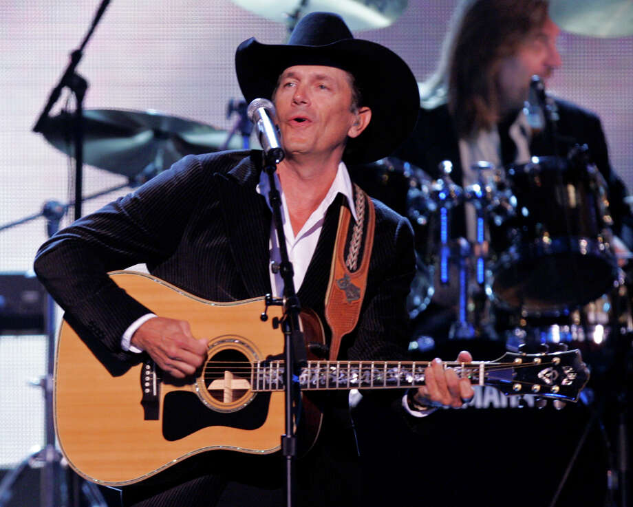 George Strait has more than 30 albums to his credit and enough hit songs to make any cowboy's mom happy. Photo: JULIE JACOBSON, STF / AP