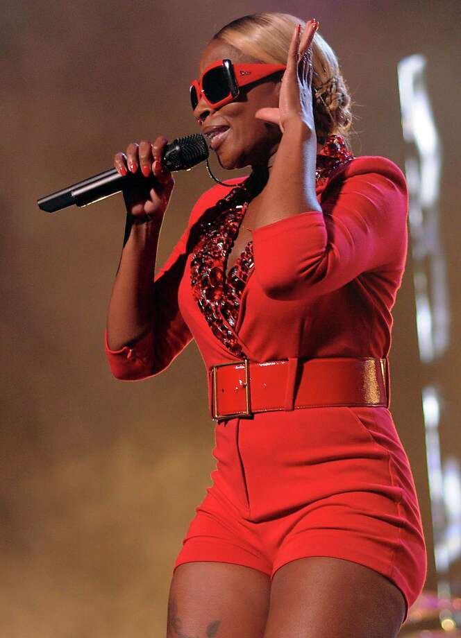 Mary J. Blige performs during her Liberation Tour at the Toyota Center Sunday Sept. 2,2012.(Dave Rossman/For the Chronicle) Photo: Dave Rossman, Freelance / © 2012 Dave Rossman