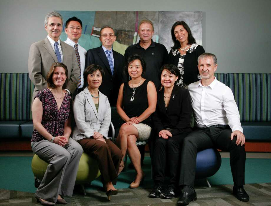 The Neurodegeneration Consortium team of investigators includes: (seated, left to right) Joanna Jankowsky, Hui Zheng, Lynda Chin, Li-Huei Tsai and Juan Botas; (standing, left to right) Ronald DePinho, Ming-Kuei Jang, Giulio Draetta, Hugo Bellen and Huda Zoghbi. Not pictured: Philip Jones. Photo: John Everett