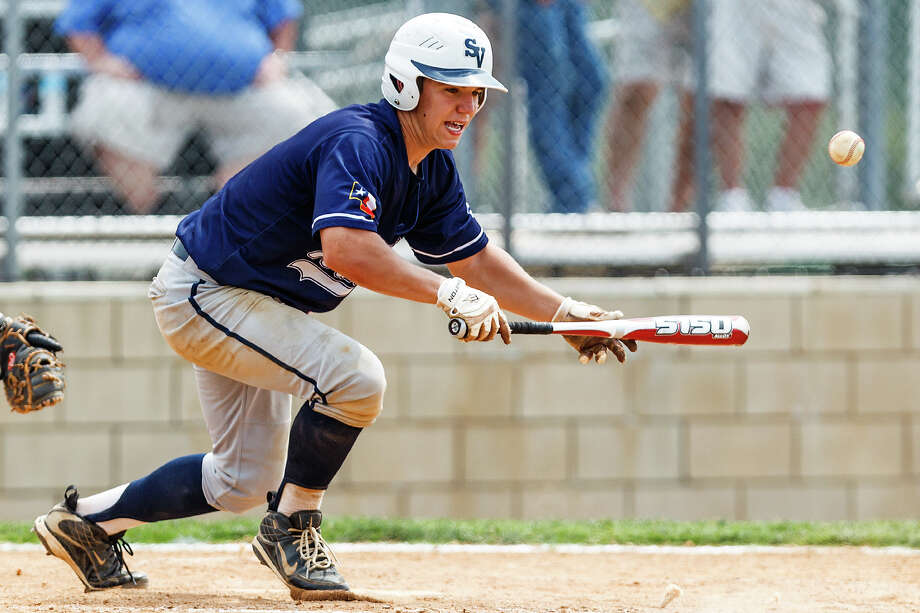 Smithson Valley's Joey Bochat lays down a bunt during third game of the Rangers' bidistrict playoff series. Photo: MARVIN PFEIFFER, Marvin Pfeiffer / Prime Time New / Prime Time Newspapers 2012