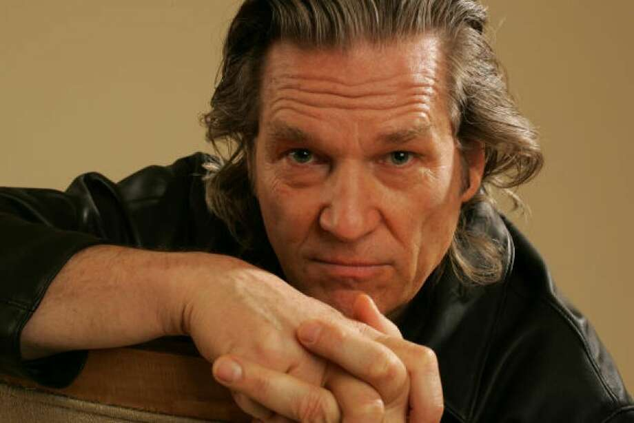 Beardless Jeff Bridges, is that you?PHOTO BY DAN TUFFS/GETTY IMAGES