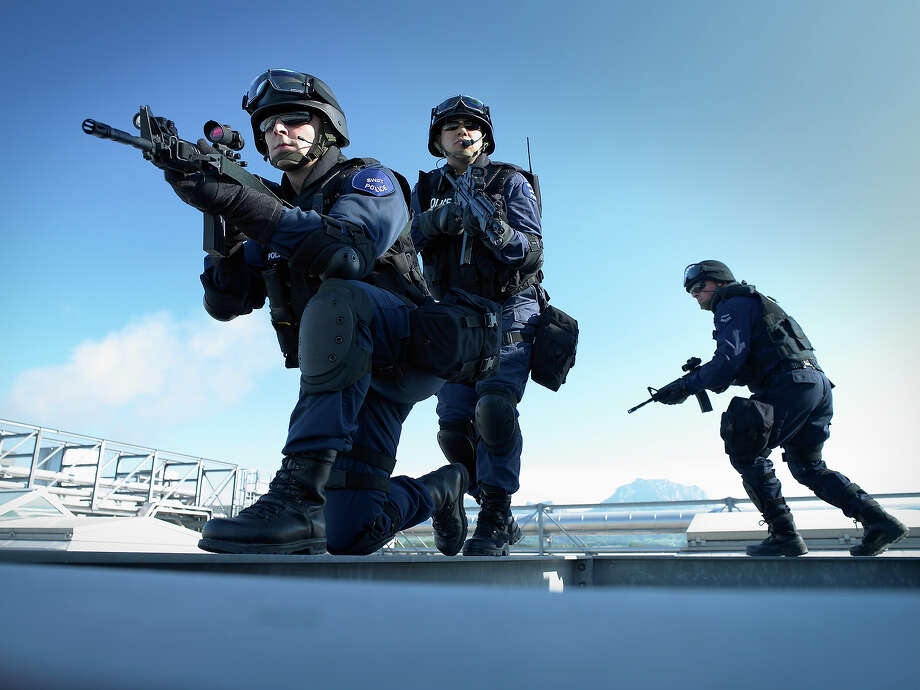 Law enforcementThe FBI estimates that about 80 percent of its 35,000 employees are working and says it is prepared to meet any immediate threats. However, activities are suspended for other, longer-term investigations of crimes. Training and other support functions have been slashed.