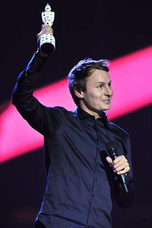 LONDON, ENGLAND - FEBRUARY 20:  Ben Howard receives the award for British Male Solo Artist on stage during the Brit Awards 2013 at the 02 Arena on February 20, 2013 in London, England.  (Photo by Matt Kent/Getty Images) Photo: Matt Kent, Getty Images