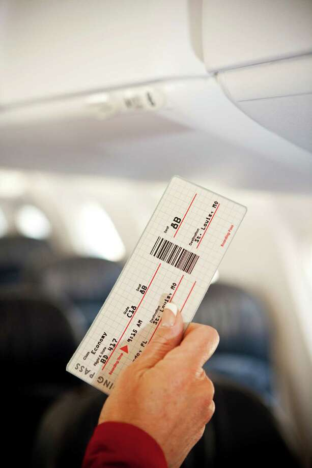 4. Line jumping. If they're not boarding your section yet, don't go up to the door. You're not going to get there any faster. The only advantage we can see is that you'll get first dibs on the overhead bin, which leads us to ... Photo: Sean Locke, Getty Images / (c) Sean Locke