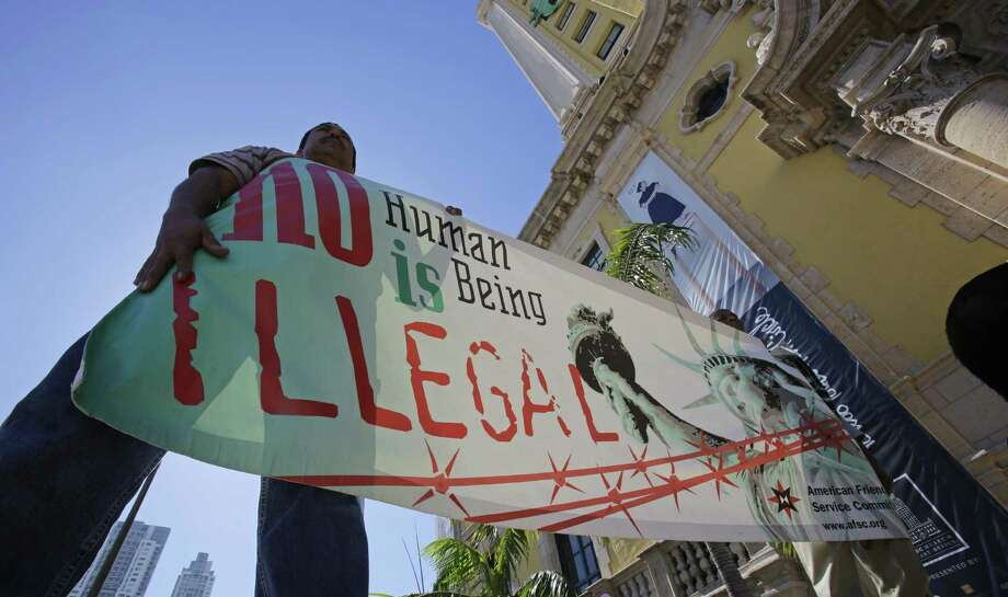 Pro-immigration activists who say they want all immigrants to gain citizenship are not helping efforts to reach a workable compromise. Photo: Alan Diaz / Associated Press