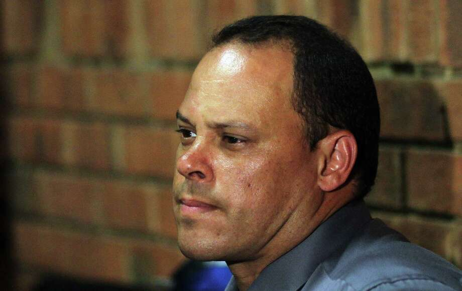 Investigating officer Hilton Botha's testimony was picked apart by Oscar Pistorius' defense.