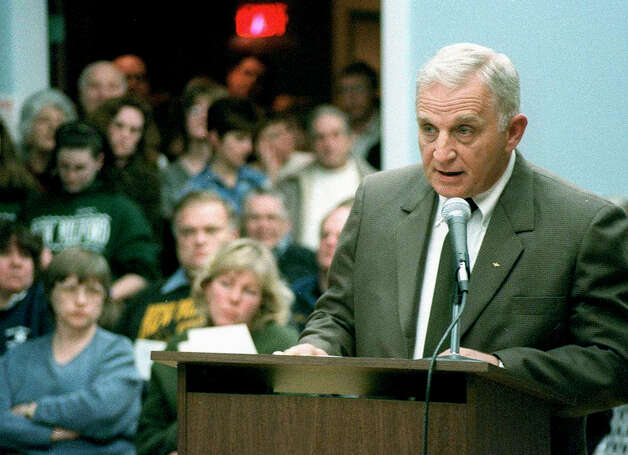 Longtime Zoning Commission chairman George Doring speaks at a March 27 2002 public hearing before Town Council on the town's use of the $43.1 million settlement money from Waste Management. Photo: Norm Cummings, Norm Cummings/Spectrum / The News-Times