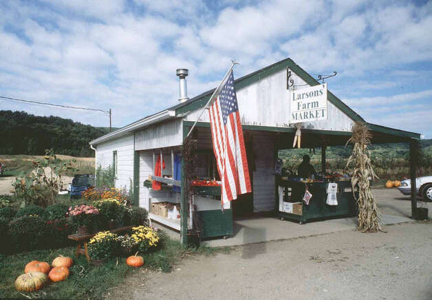 The legendary Larson Farm stand lived its final days along Route 7 South during the months leading up to groundbreaking for the new New Milford High School in 1998. Photo: Norm Cummings