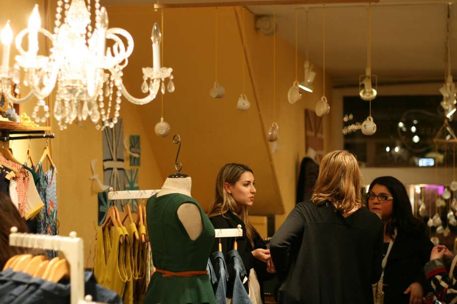 Marmalade boutique hosted a DIY teabag-making class after hours Feb. 5.