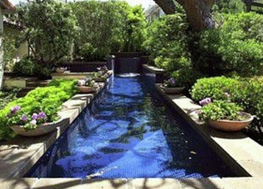 Nice pool/potential landfill material. Photos via Celebrity Networth.