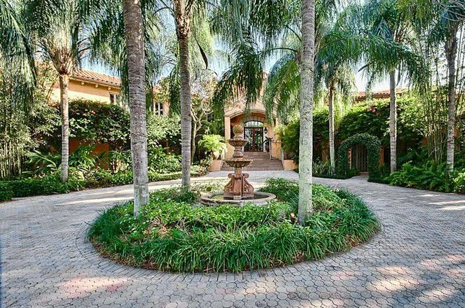 Courtyard. All photos via Zillow/Esslinger-Wooten-Maxwell Inc.
