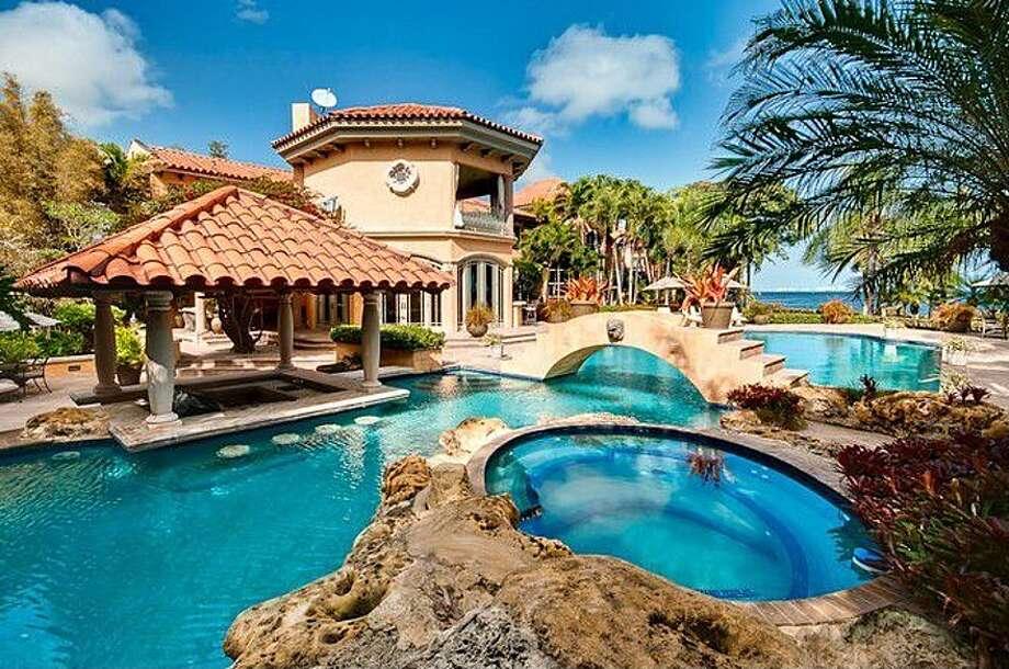 A fantasy pool, not fantastic enough. All photos via Zillow/Esslinger-Wooten-Maxwell Inc.