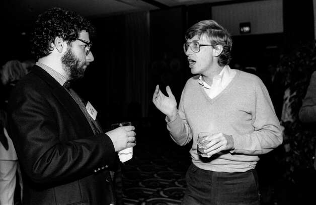 Bill Gates (right), from Microsoft, speaks with Jonathan Lazarus, from Ziff Davis Publishing/Kiha Software, at the annual PC Forum, Phoenix, Arizona, early 1985. Photo: Ann Yow-Dyson/Getty Images, Getty / Photo by Ann Yow-Dyson, all rights reserved