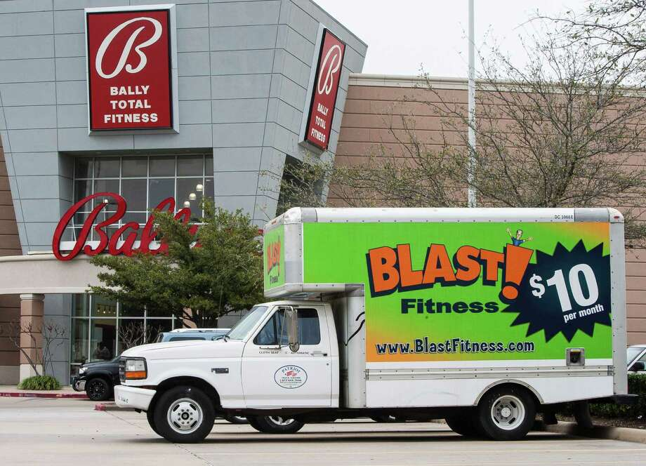 Blast Fitness recently told members that its Memorial City location, which still has signs from its Bally Total Fitness days, would be closing. Blast also said in the letter it plans to open up to five area locations this year. Photo: Nick De La Torre, Staff / © 2013 Houston Chronicle