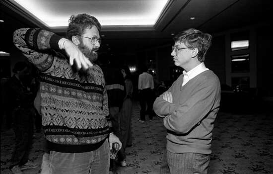 Brian Smith, from Xerox PARC/University of Toronto, speaks woth Bill Gates, from Microsoft, at the annual PC Forum, Naples, Florida, 1988. Photo: Ann Yow-Dyson/Getty Images, Getty / Photo by Ann Yow-Dyson, all rights reserved