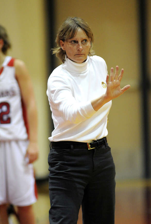 Coach Karen Lemker has Tomball playing with a team-first mentality. Photo: Jerry Baker, For The Chronicle / Freelance