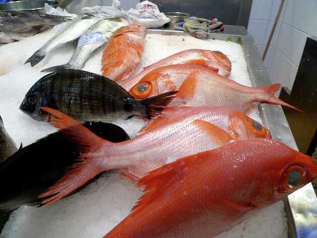 Poseur fish? Through DNA testing, ocean protection group Oceana found that one third of 1,215 fish samples collected from groceries and restaurants were mislabeled under federal guidelines. Snapper and tuna were the most common victims of fish fraud. Photo: Encantadisimo, Getty Images/Flickr Open / Getty Images