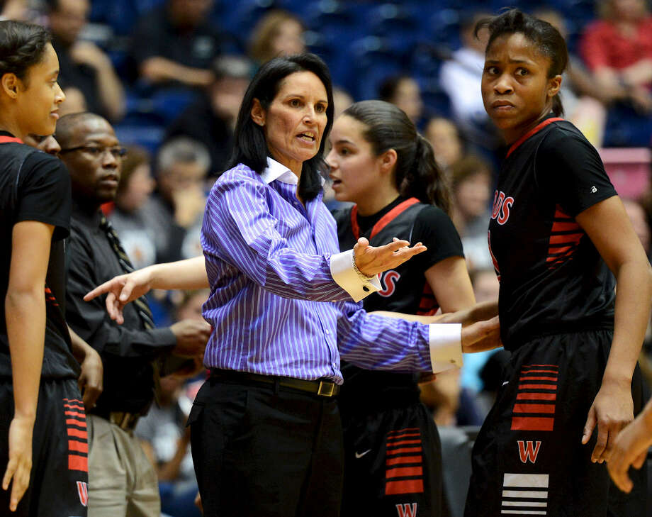 Coach Tina Camacho and Wagner are favored to claim the Region IV-5A title. Steele should provide the biggest challenge. Photo: John Albright / For The San Antonio Express-News