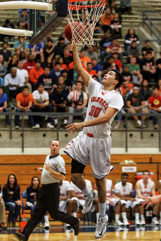 Brandeis's Matt Kallead goes up for an uncontested layup during the second half of their Class 5A boys basketball second round game with Reagan at Paul Taylor Field House on Thursday, Feb. 21, 2013.  Brandeis won the game 64-58.   MARVIN PFEIFFER/ mpfeiffer@express-news.net Photo: MARVIN PFEIFFER, Express-News / Express-News 2013