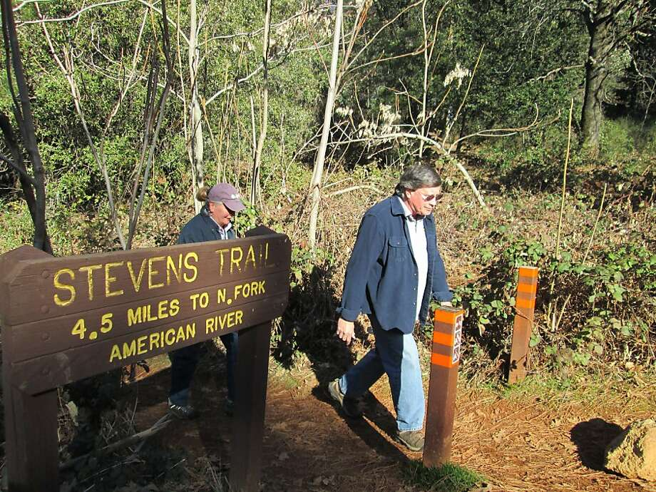 Gene and Susan Mapa finish a walk Thursday at Stevens Trail, the site of two dramatic encounters with a mountain lion last weekend. Photo: Tom Stienstra, The Chronicle