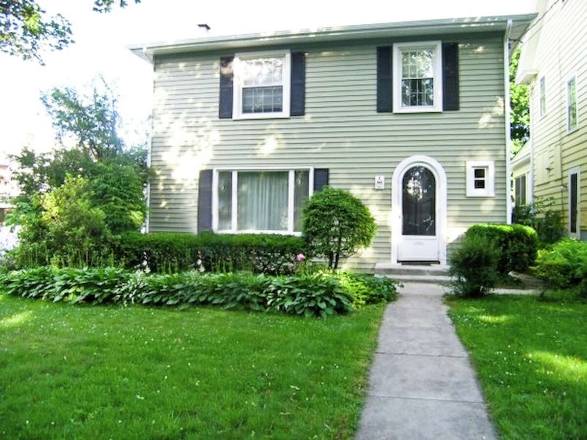 House of the Week: 7 Euclid Ave., Albany | Realtor: Alexander Monticello at Monticello L.R.E.B. | Discuss: Talk about this house