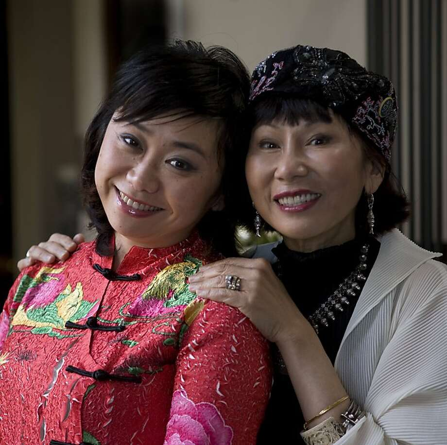 "Zheng Cao, left, the lead in the San Francisco Opera's new production ""The Bonesetter's Daughter"" is photographed with the author Amy Tan in 2008. Photo: Kim Komenich, The Chronicle"