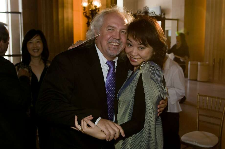 San Francisco Opera Music Director Donald Runnicles & mezzo-soprano Zheng Cao in 2008. Photo: Kristen Loken
