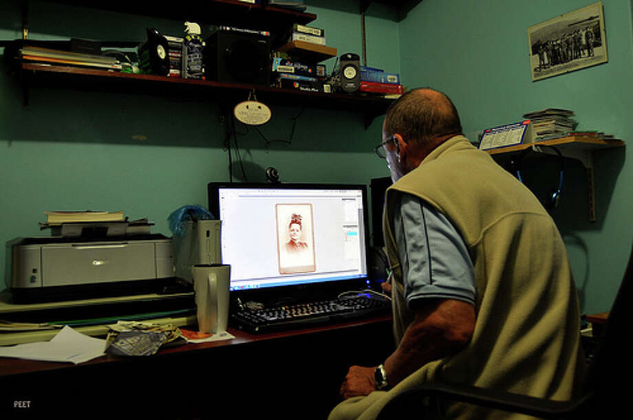 Endlessly staring at a computer screen: Even though computer screens don't give off radiation, the strain from staring over long periods of time can cause harm to your vision, though many effects are temporary. Beyond that, you can also experience headaches and migraines. (Photo: PETER9914, Flickr)Source: Business Insider Photo: Flickr