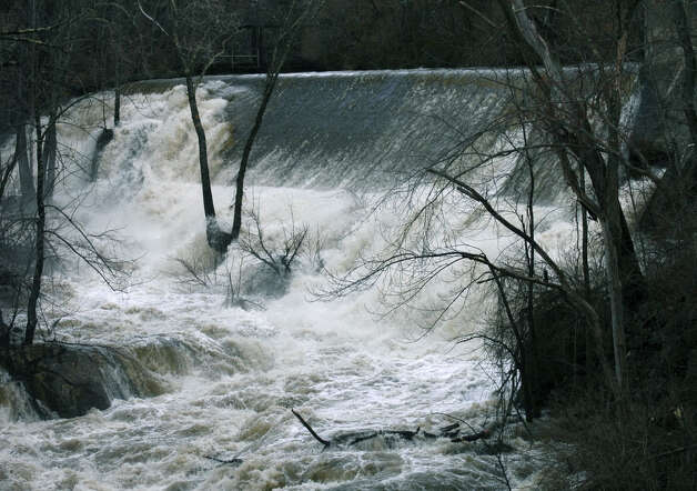 The Housatonic River at Bull's Bridge in South Kent has been flowing heavily in recent days. In fact, last week the river flowed right over its edge along Route 7 in New Milford. Jan. 8, 2008 Photo: Deborah Rose