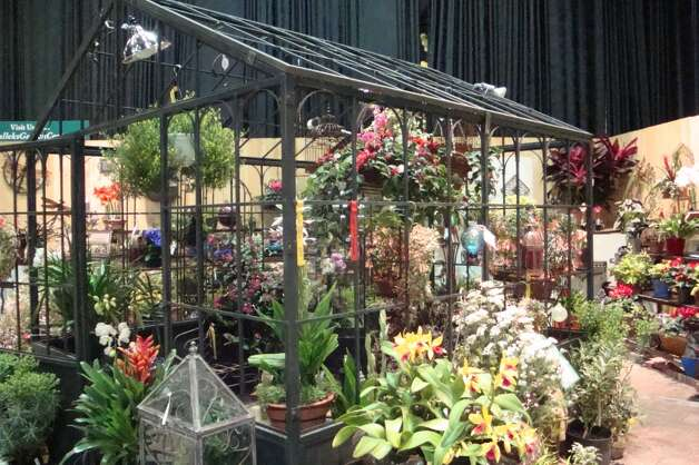 Hundreds of exhibitors are expected at the 32nd annual Connecticut Flower & Garden Show set to take place Thursday, Feb. 21 to Sunday, Feb. 24, 2013, at the Connecticut Convention Center in Hartford, Conn. WIth fresh grass, fresh flowers and novel arrangements, it will be as if spring has arrived early. For more information on hours and admission, call 860-844-8461 or visit http://www.ctflowershow.com.