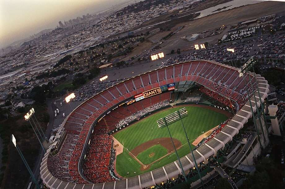 The sun sets on the next-to-last night baseball game at Candlestick Park in 1999.  Photo: Brant Ward