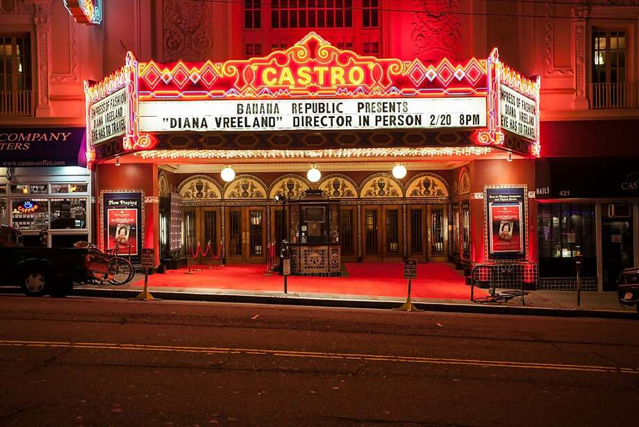 """The Castro Theatre went red for the showing of the Diana Vreeland Documentary """"The Eye Has to Travel."""" Photo: Drew Altizer Photography, Heather Thompson For Drew Altize"""