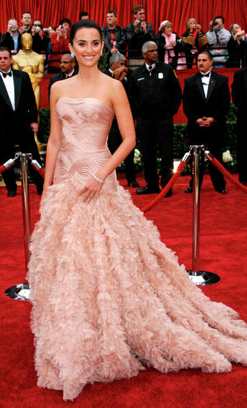 Spanish actress Penelope Cruz, nominated for an Oscar for best actress in Volver, wore Versace in 20