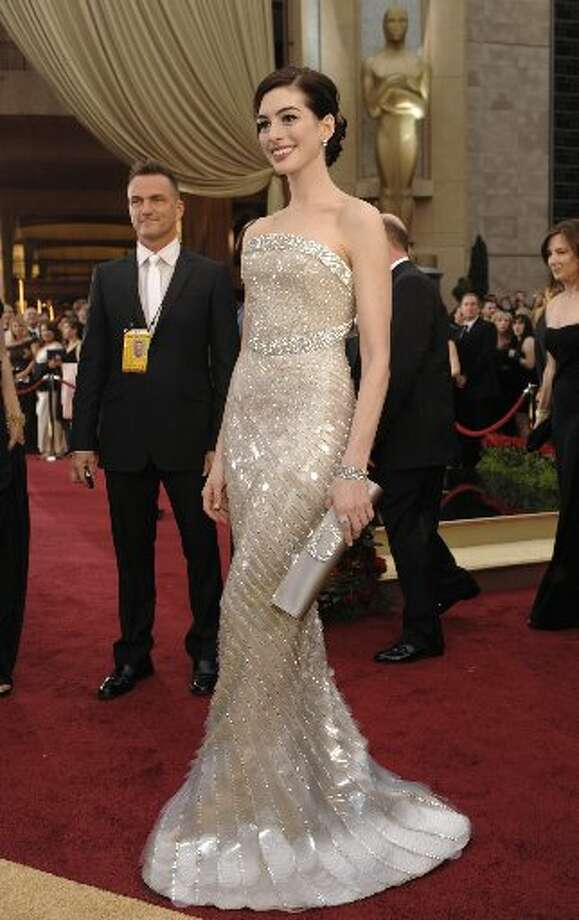Anne Hathaway in Armani Prive in 2009.