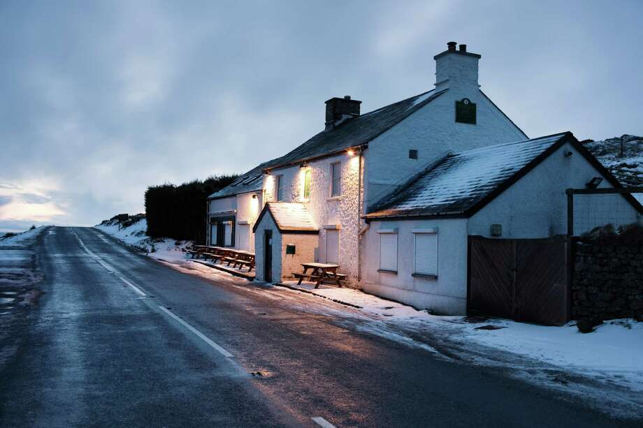 The Warren House Inn, Devon, England. Photo: David Clapp, Getty Images / (c) David Clapp