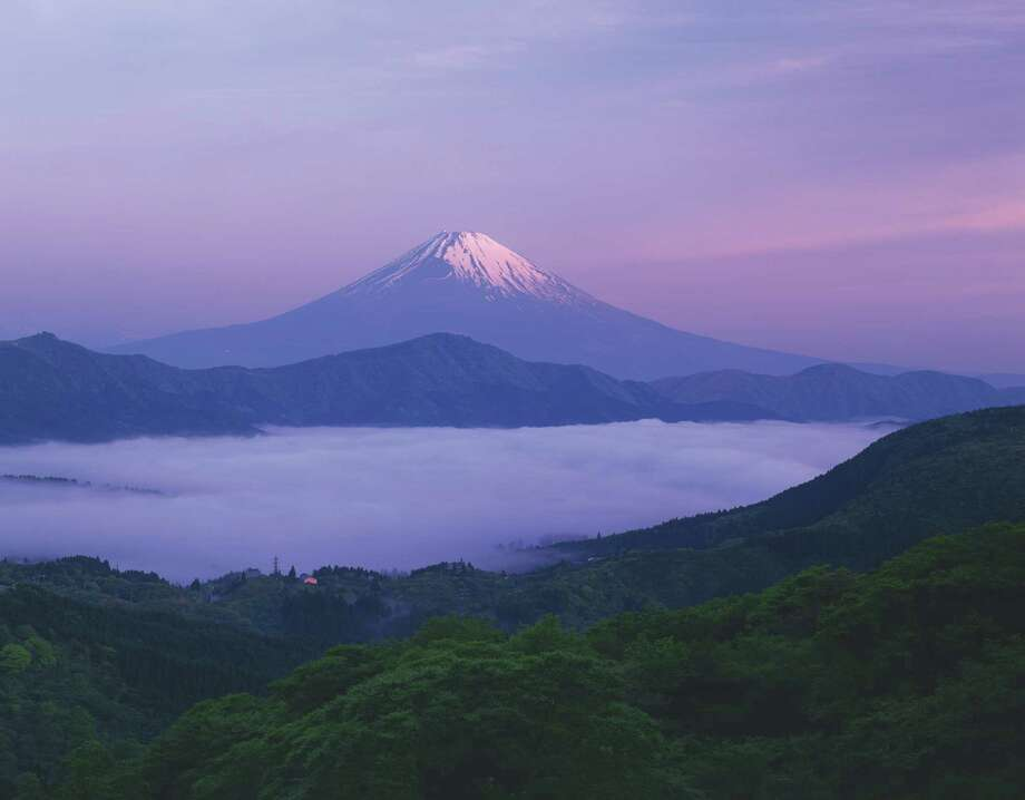 Mount Fuji, Kanagawa prefecture, Japan Photo: - Fotosearch, Getty Images/Fotosearch RF / Fotosearch RF