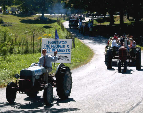 State Attorney General Dick Blumenthal rides in Bridgewater's traditional Labor Day weekend tractor parade on Warner Road, Sept. 2, 2007 Photo: Norm Cummings