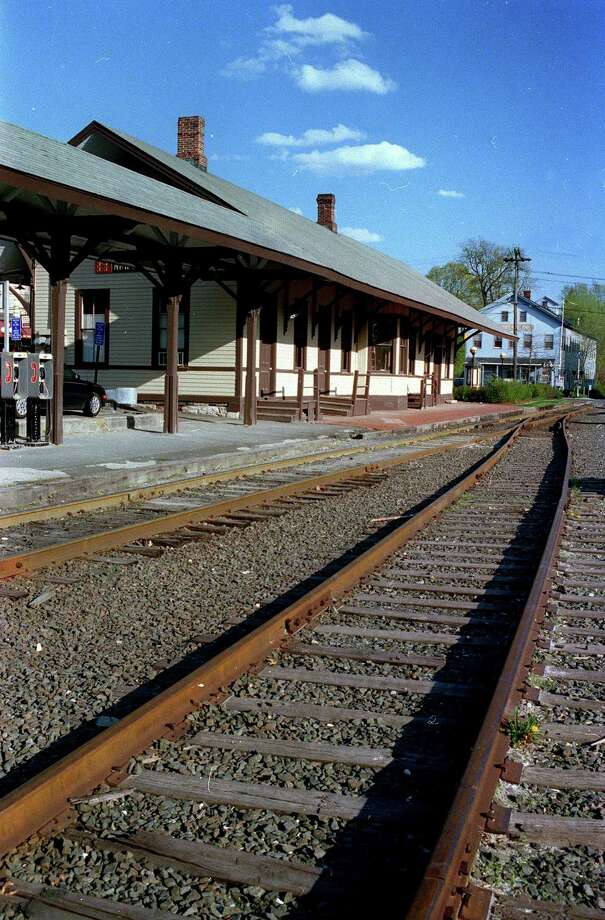 The railroad station in New Milford, circa 2002 Photo: Norm Cummings, Norm Cummings/Spectrum / The News-Times