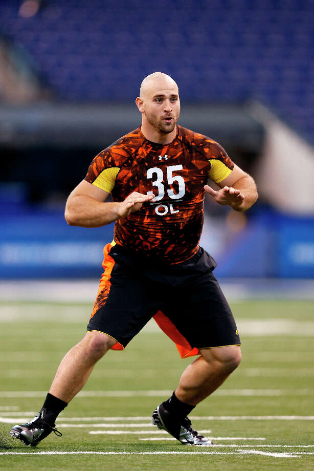 Kyle Long of Oregon goes through a drill. Photo: Joe Robbins / 2013 Getty Images