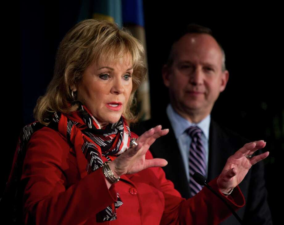 Oklahoma's Mary Fallin and Jack Markell, of Delaware, state the National Governors Association's case Saturday at the NGA's winter meeting in Washington. Photo: Manuel Balce Ceneta, STF / AP