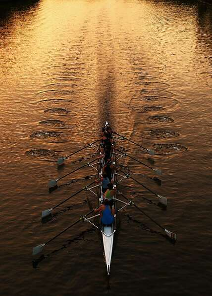 MELBOURNE, AUSTRALIA - FEBRUARY 23:  Crews row on the Yarra River during Henley On The Yarra on Febr
