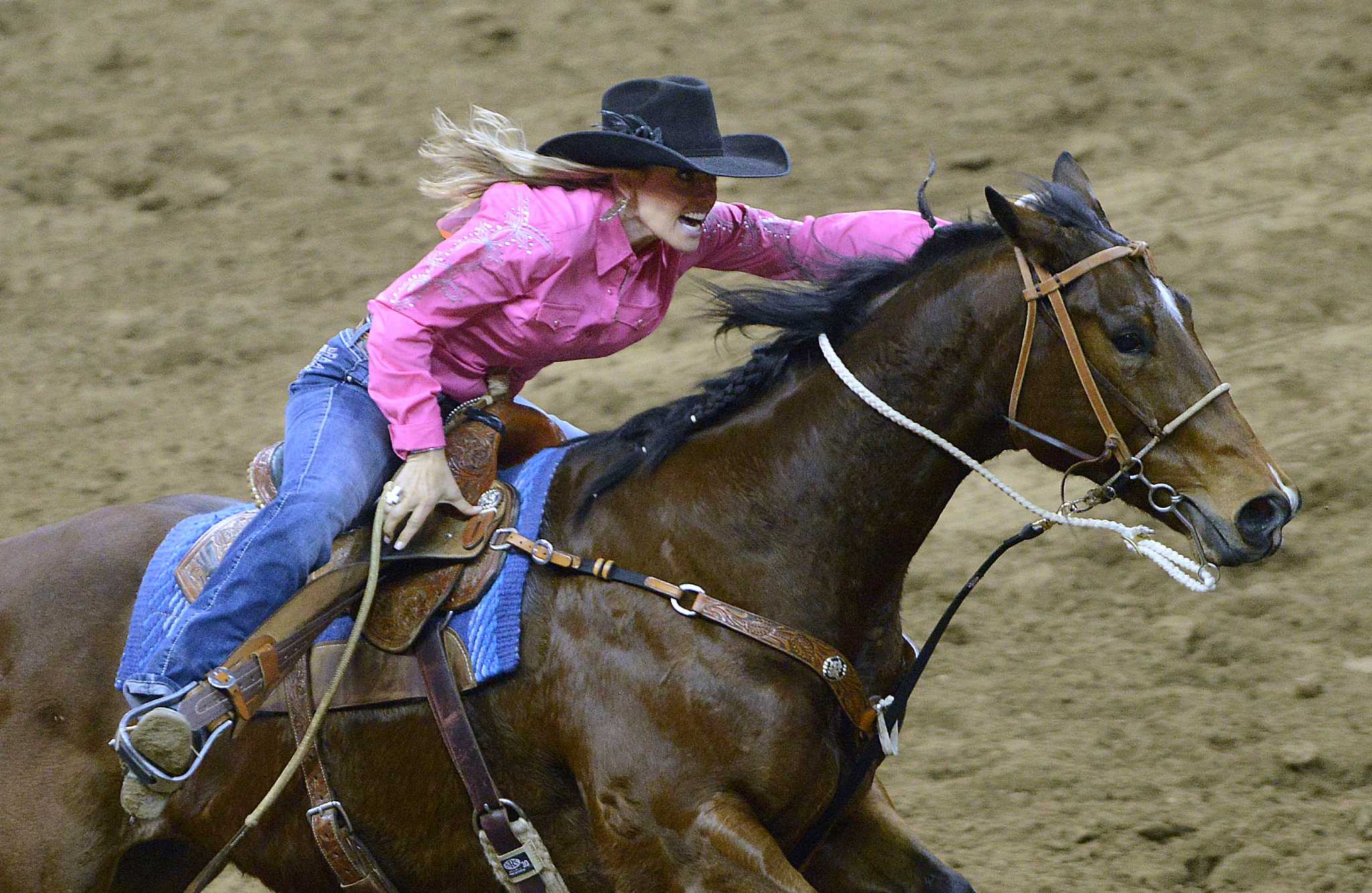 Barrel racing clothing stores