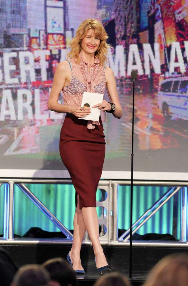 Actress Laura Dern speaks onstage. Photo: Chris Pizzello/Invision/AP