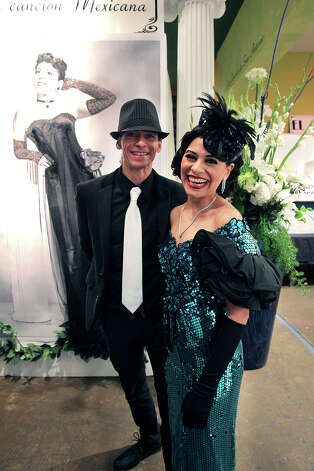 Singer Azul Barrientes waits to perform with her friend Aaron Root as the life of Eva Garza is remembered at the Esparanza Center on February 23, 2013. Photo: TOM REEL