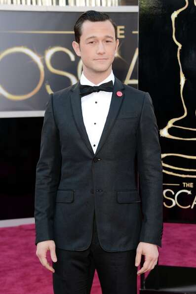 Actor Joseph Gordon-Levitt arrives at the Oscars at Hollywood & Highland Center on February 24, 2013