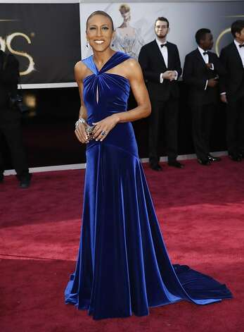 Robin Roberts' distinctive neckline stood out in cobalt. Photo: Jay L. Clendenin, McClatchy-Tribune News Service