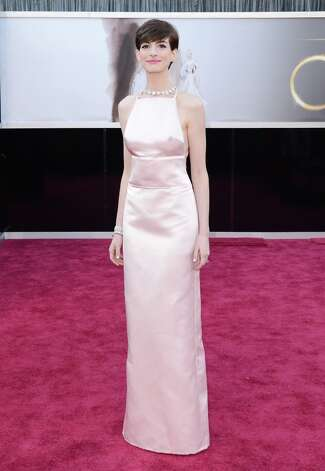 Actress Anne Hathaway arrives at the Oscars at Hollywood & Highland Center on February 24, 2013 in Hollywood, California. Photo: Jason Merritt, Getty Images / 2013 Getty Images